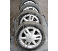 Диски титановые R15 Renault c шинами Pirelli Continental 185/65 R15 комплект