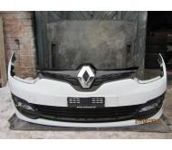Бампер передний Renault Megane 3 2014-2016 рестайлинг 620221121R 620221020R